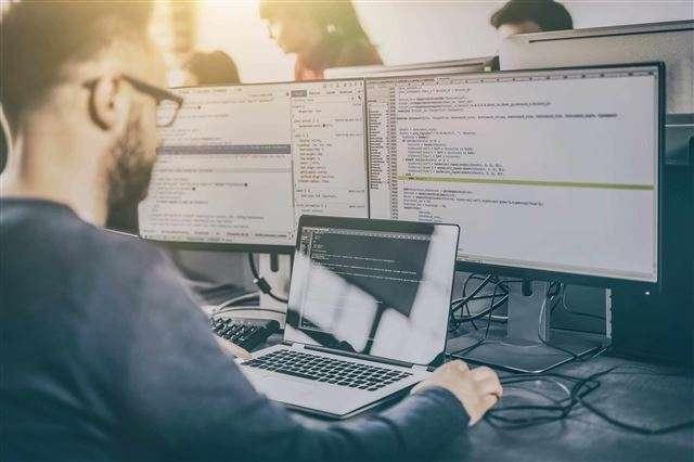 Dlaczego Twoja firma nie powinna obawiać się wyzwań związanych z oprogramowaniem? 1