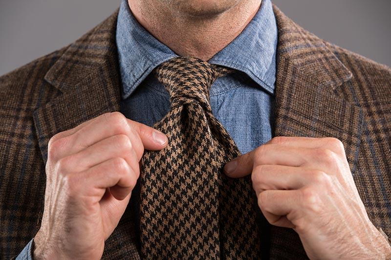 Jak zawiązać krawat? 4