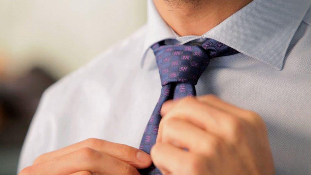 Jak zawiązać krawat? 6